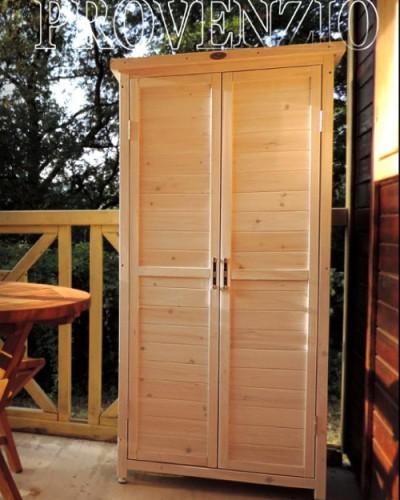 Armadio in legno per esterno l 39 armadio fuori - Armadi per esterno in legno ...